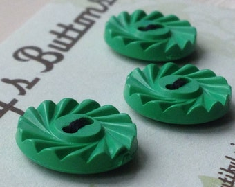 Vintage Buttons - green plastic