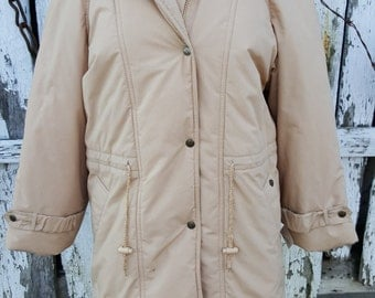 Etienne Aigner vintage puffy winter coat size 8