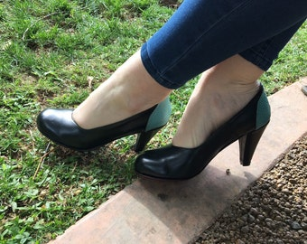 High heel leather handmade shoes / women shoes in black leather / Model Mary Jane
