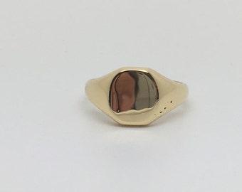 18ct Gold Hallmarked signet Ring