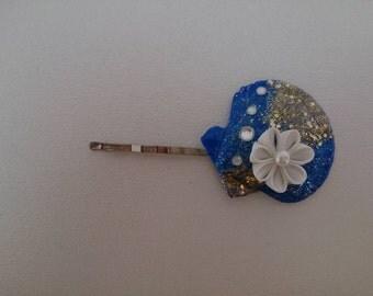 Pinch white filigree flower hair pin