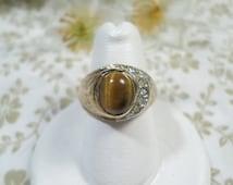 UNCAS! Beautiful Vintage Gold Tone 18 kt HGE Tiger's Eye Ring Size 7.5 DL# 8038