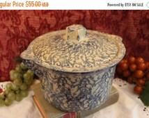 Summer Heat SALE Robinson Ransbottom Blue Spongeware 2 Quart Bean Pot - Stoneware Pottery, Roseville Ohio #700 Casserole