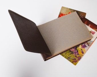 Vintage small photo album with leather imitation cover (CI950)