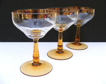 Vintage champagne coupé glasses with gilded pattern x 3