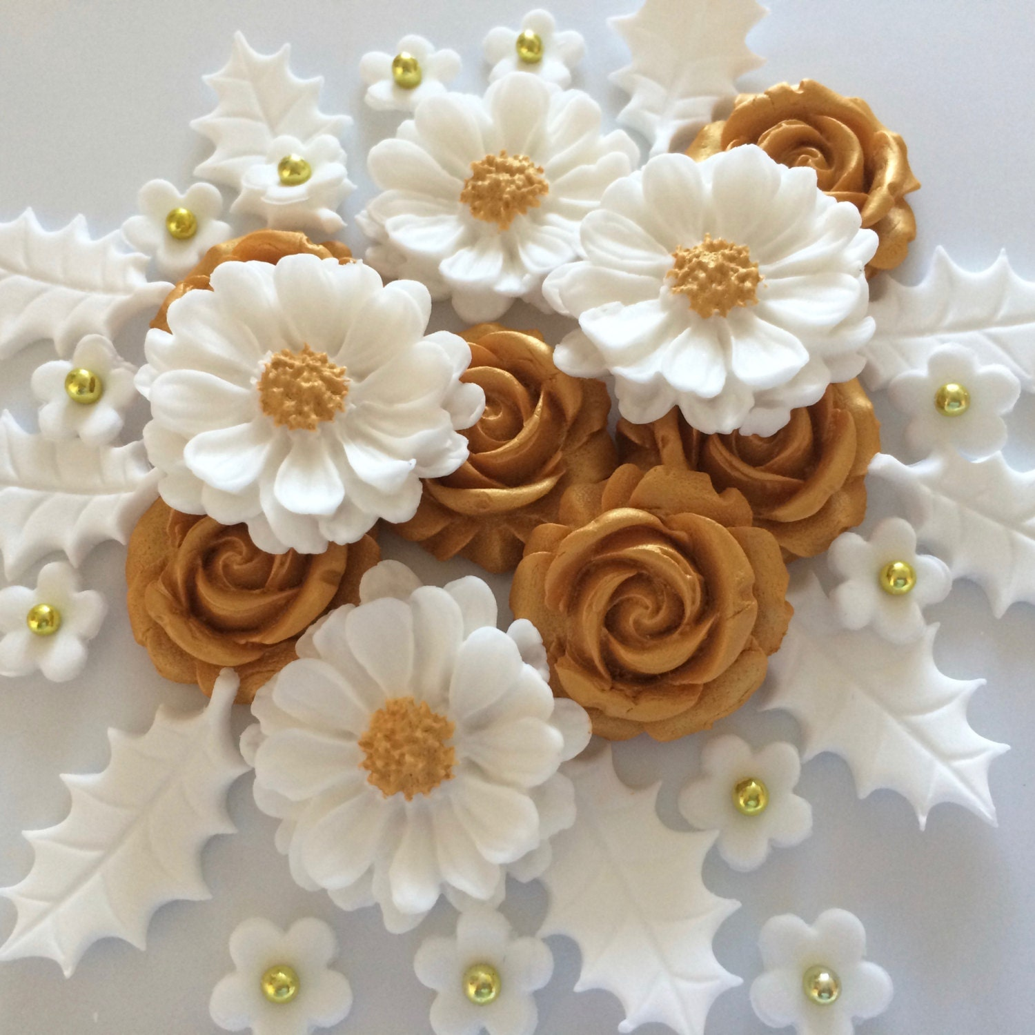 Christmas Cake Decorations Flowers: WHITE GOLD CHRISTMAS Bouquet Edible Sugar Paste Flowers Cake
