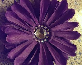 Purple daisy hair flower clip.