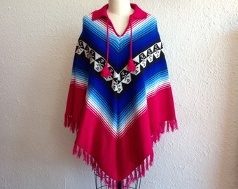 SALE 1970s Magenta and blue knit poncho