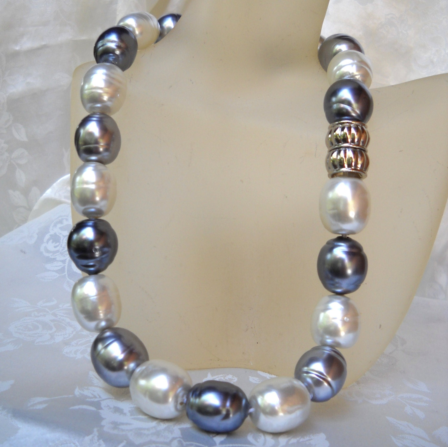 Mallorca Pearl Necklace: Baroque Majorca/Mallorca Pearl Necklace Multi-color Single