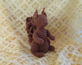 Squirrel Nutkin (crochet pattern)