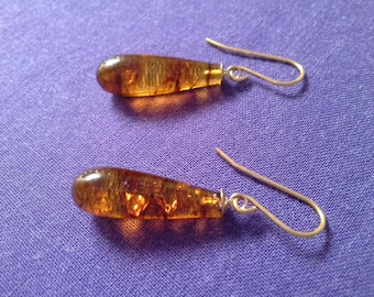9ct Gold drop earrings, Hand made with amber dops