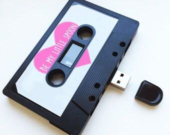 4GB/8GB/16GB USB Mixtape - Retro Personalised Gift - Loved One, Birthday Present- Boyfriend, Girlfriend, Bestfriend- Be my Little Spoon
