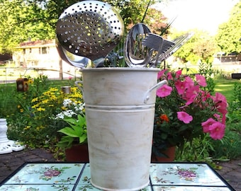 Upcycled Kitchen Utensil Holder Caddy ~ Shabby Chic Decor Kitchen ~ Up Cycled Home Decor ~ Distressed Chalk Paint ~ Bathroom Guest Towel