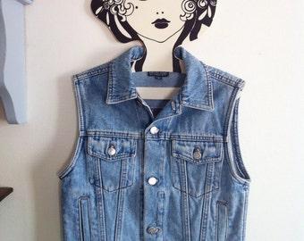 90s sleeveless denim jacket / petite - extra small - small