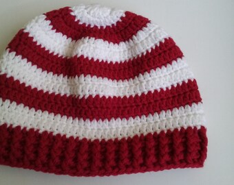 Cute beanie hat in stripes of red and white with ribbed edging