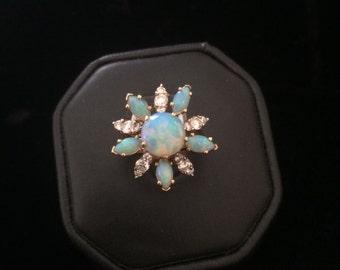 Beautiful 18k Yellow Gold Opal & Diamond Ring