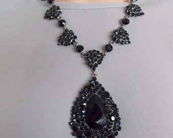 Black Jewelled Teardrop Victorian Style Statement Necklace