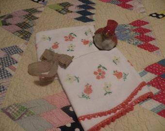 Cottage Flower Pillowcases* Vintage 50s