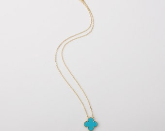 Handmade 18mm-motif Turquoise four leaf clover necklace, gold plated