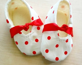 Red Polka Dot Valentine Theme Baby Slippers. Size US 1-5.