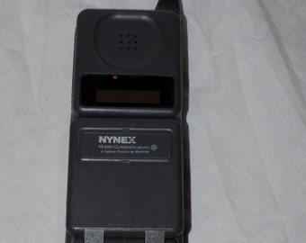 REDUCED PRICE! Vintage Motorola Nynex Mobile Communications Cellular Telephone