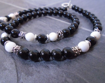 Onyx and Alabaster Mens Necklace, Mens Onyx Necklace, Mens Beaded Necklace, Mens Black Necklace