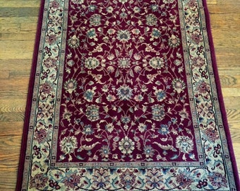 Beautiful Burgundy Oriental Floral Rug 5.5' x 4'