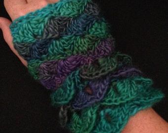 Dragon Skin Gloves, Rainbow Dragon Mittens, Soft Crochet Gloves, Crochet Fingerless Gloves, Fall Accessories, Gifts for Her, Geeky Gloves