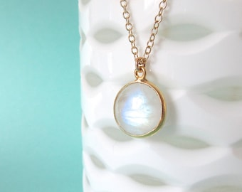 Moonstone Smooth Pendant Necklace - Gold Necklace - Gemstone Necklace - Moonstone Jewelry - Pendant Necklace