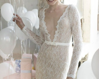 Laces wedding dress with sleeve, lace wedding dress, lace dress with train, wedding gown bohemian, wedding sleeved dress, v-neck wedding