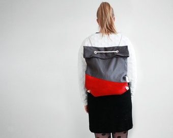 2-Way bag in grey and red / backpack and tote bag in one