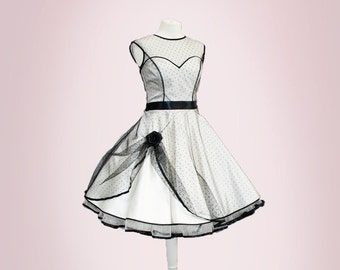 Lovely wedding dress in the style of the 50th