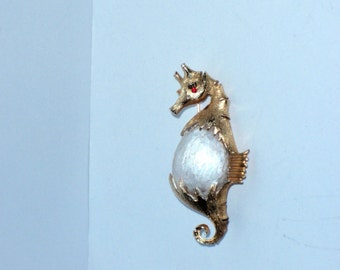 Vintage RARE 1960's Red Eye Seahorse Booch.