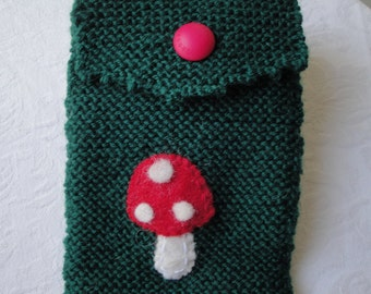 reader case, green kindle cosy, knitted reader cover, toadstool reader cosy, wool reader case, OOAK reader case, wool knit kindle cosy