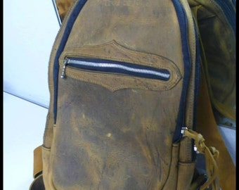 Small backpack closing by closed calfskin lights