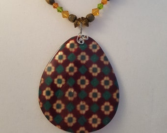 Sea Shell Necklace - Sea Shell Jewelry Set - Brown Sea Shell - Floral Sea Shell - Green Necklace - Green Bracelet - Green Earrings - Jewelry