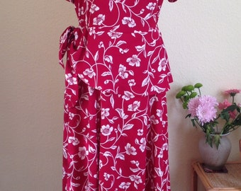 Vintage Peplum Dress.  1980s do 1940s.