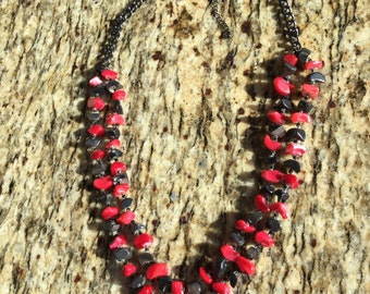 """Red and Metallic Gray Shell Necklace 22"""""""