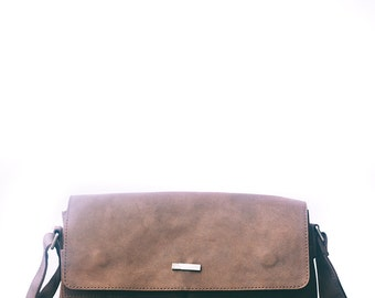 Leather Brown Messenger bag. Mens messenger natural leather bag. Mens laptop / mens weekend bag