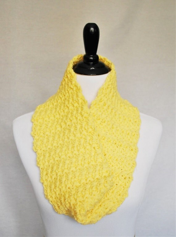SALE! Yellow Crochet Cowl, Soft Infinity Scarf, Cozy Neck Warmer, Light Pastel Yellow Wrap Scarf