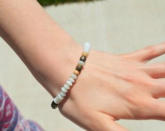 handmade beaded bracelet / beaded jewelry