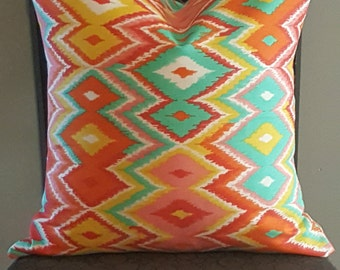 Marva Pop Pillow