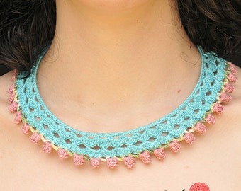 Crocheted bib necklace Serpentine - turquoise