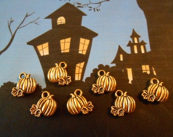 10 Gold Pumpkin Charms Halloween Charms Autumn Charms Fall Charms Wine charms Thanksgiving Charms Food or Pumpkin Jewelry Halloween Jewelry