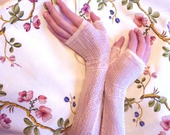 Victorian evening fingerless gloves or mittens . 1850