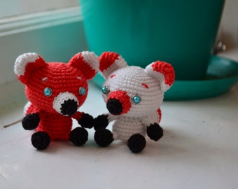 Two foxes. Amigurumi (crocheted toys)