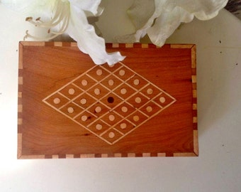 Wood Box - Keepsake Box-Vintage inlaid box-Jewelry box