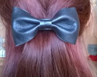 hair clip,black clip, leather clip, leather bow, ladies clip, elegant hair clip