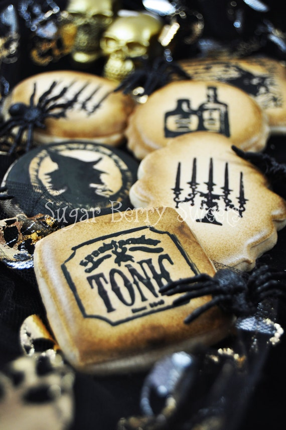 Vintage Gothic Retro Halloween decorated sugar cookies - 1/2 Dozen - perfect halloween party favor - poison-chic - scary - fancy - classic