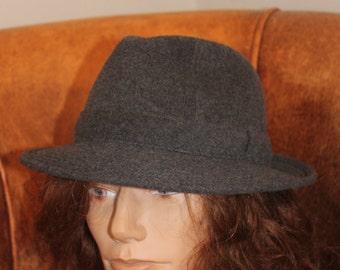 Brummell, cashmere hat
